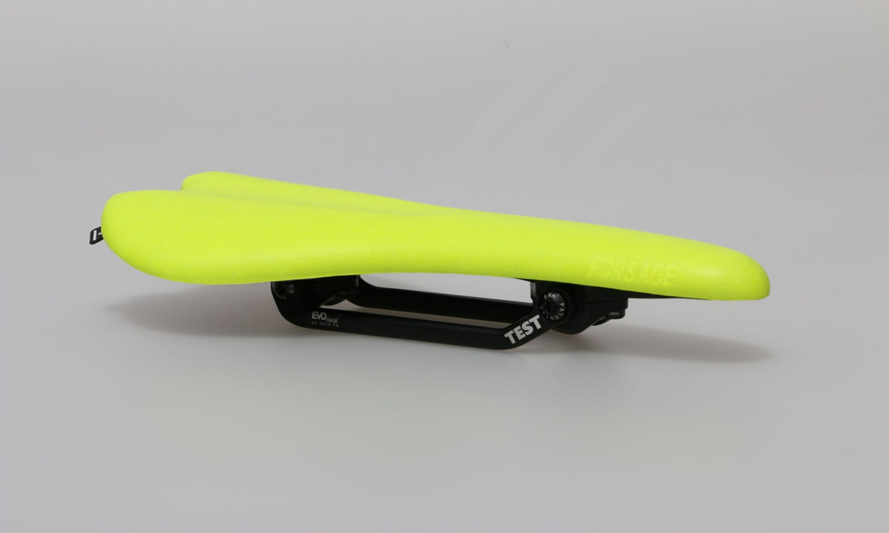 YELLOW-TEST-SADDLE